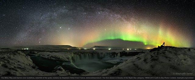 via-lattea-aurora-godafoss-islanda