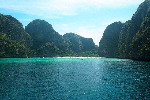 maya-bay-phi-phi-island-002