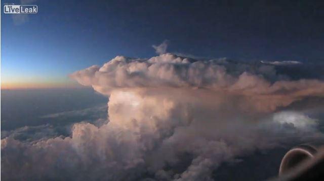 tempesta-fulmini-aereo
