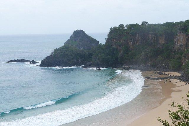 spiaggia-baia-do-sancho-brasile-2