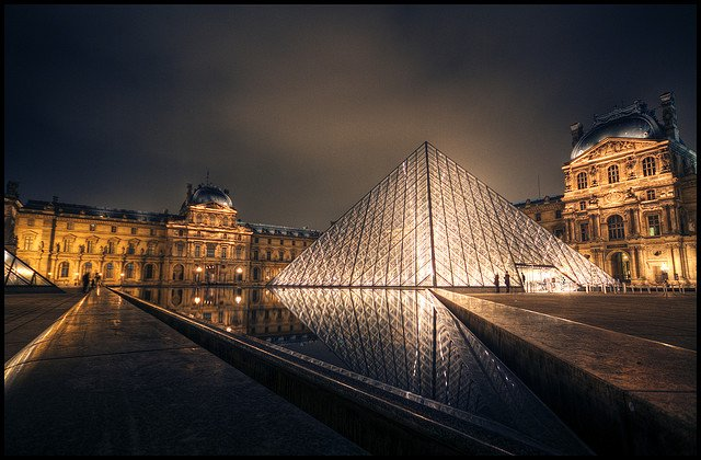 Il museo del Louvre, da anni il più visitato del mondo, nel 2011 ha sfiorato i 9 milioni di visitatori!