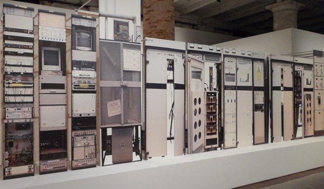 simon-denny-opera-biennale-arte-venezia-2013